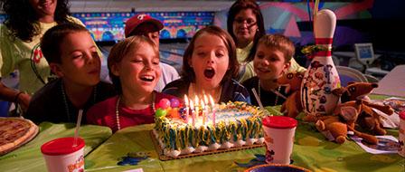 separation shoes e0820 04fa7 Feste di compleanno al Bowling